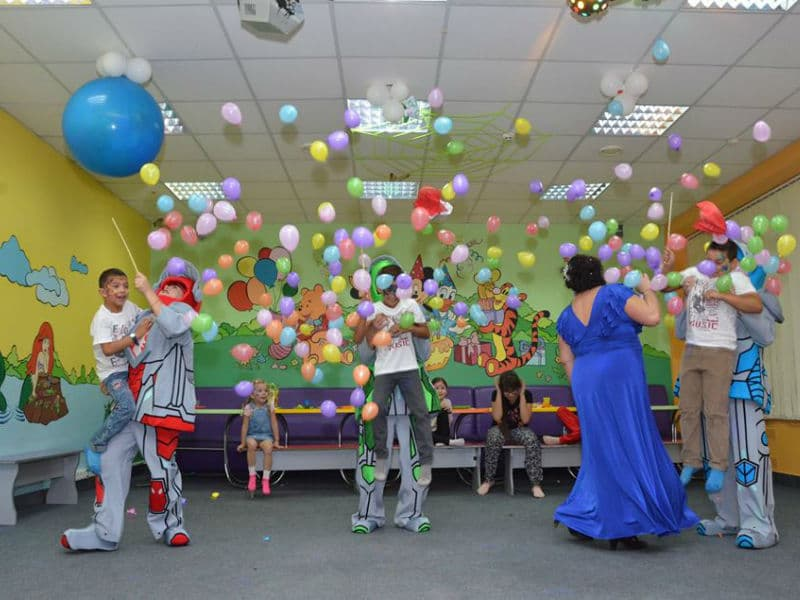 Отметить день рождение ребенка с Лего рыцарями (Nexo Knights) в Детском клубе Именинник
