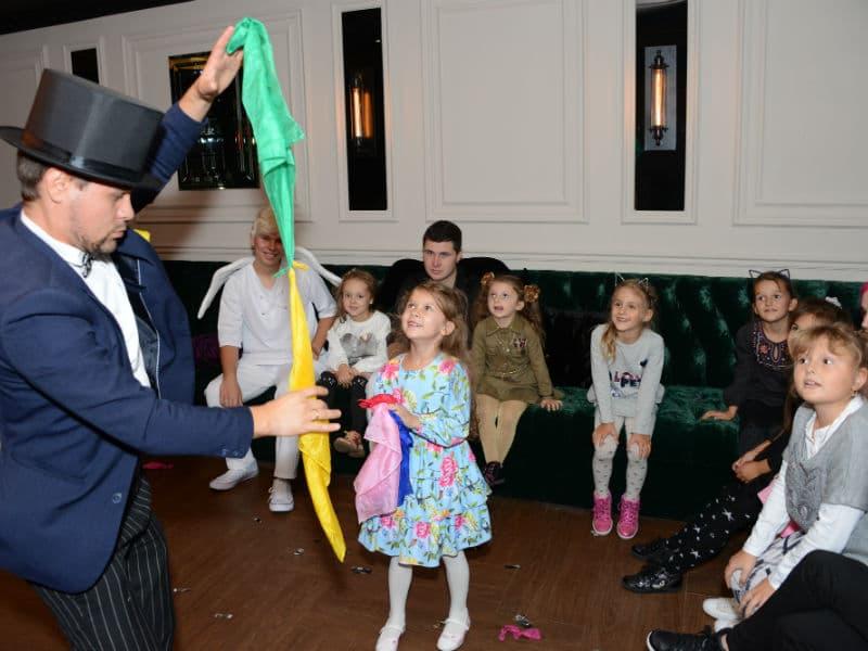 Организация детских праздников – Фокусник Киев -112018