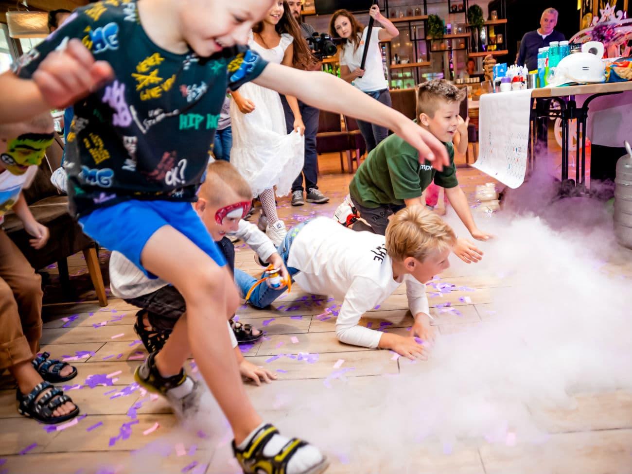 Участие детей в научном шоу - 0220