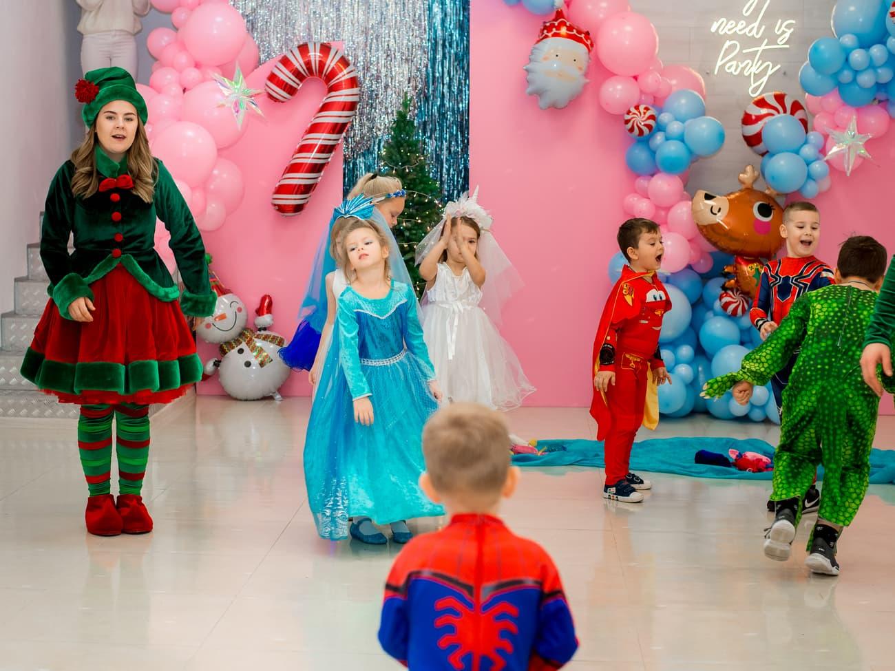 Детки участвуют в новогодних конкурсах