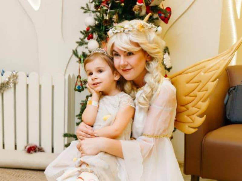 Фото с помощницей Святого Николая на память