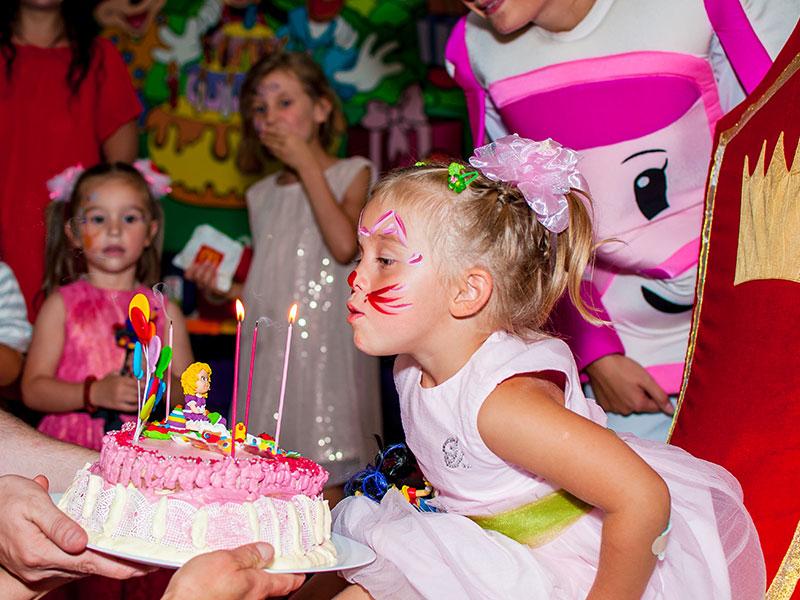 День рождения ребенка с Робокар Поли