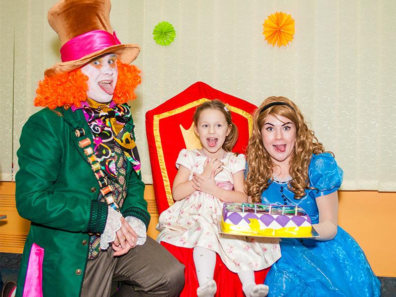 Детский день рождения с Алисой и Шляпником от Event агентства «SYRUP»