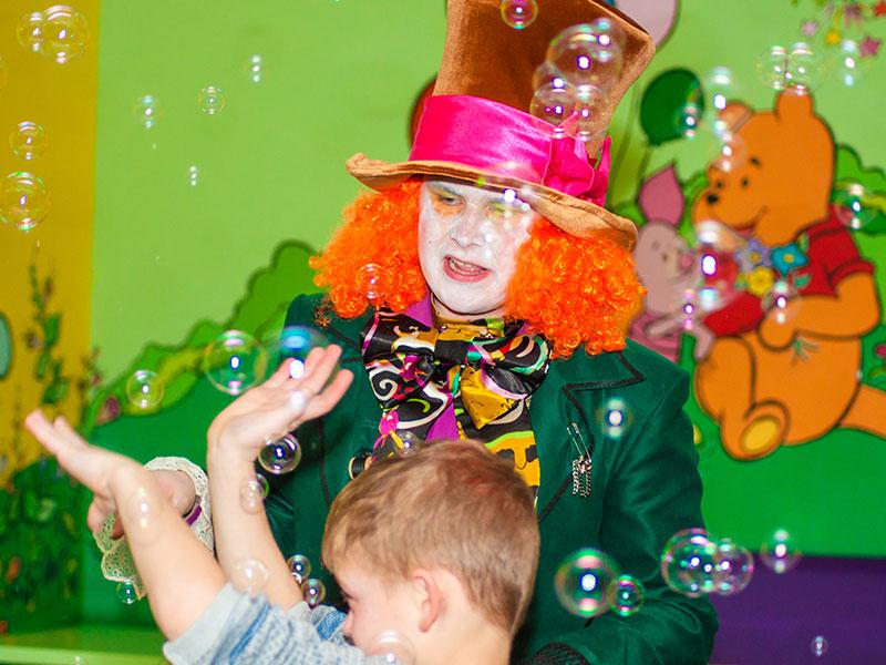 Аниматоры Алиса и Шляпник на день рождения ребенка