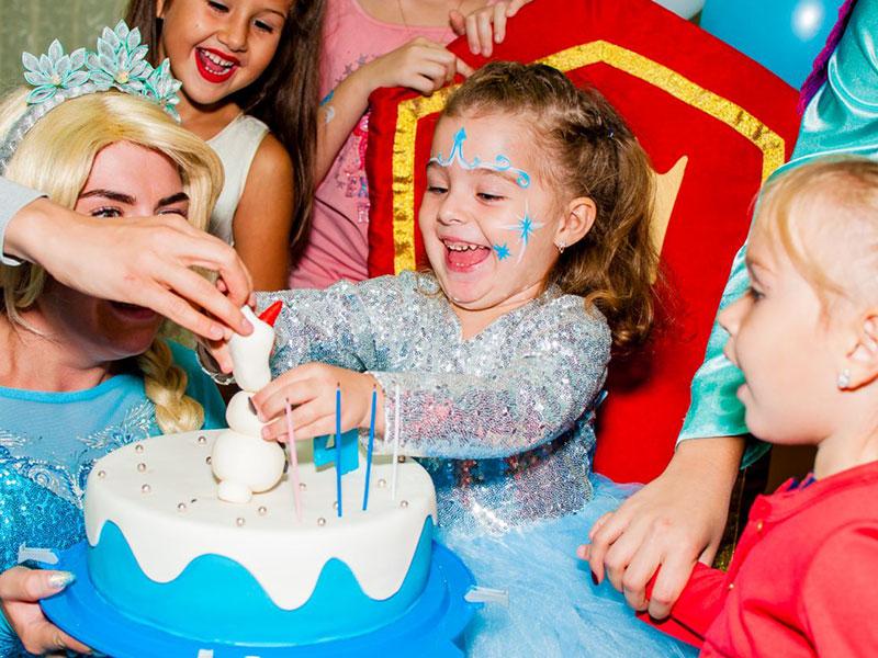 Праздник для детей в стиле Холодное сердце